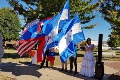 6 Alumnos becados de Centroamérica se dirigen al acto